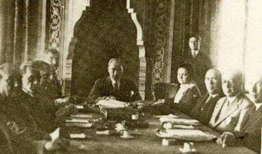 atatürk ve türk tarih kurumu